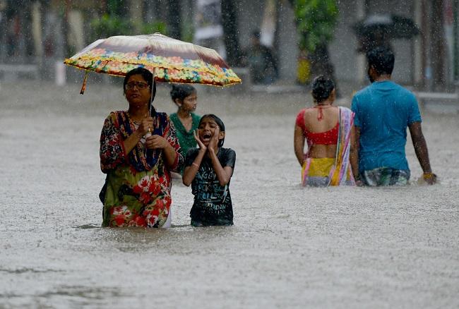 Mumbai durante inundaciones en 2017