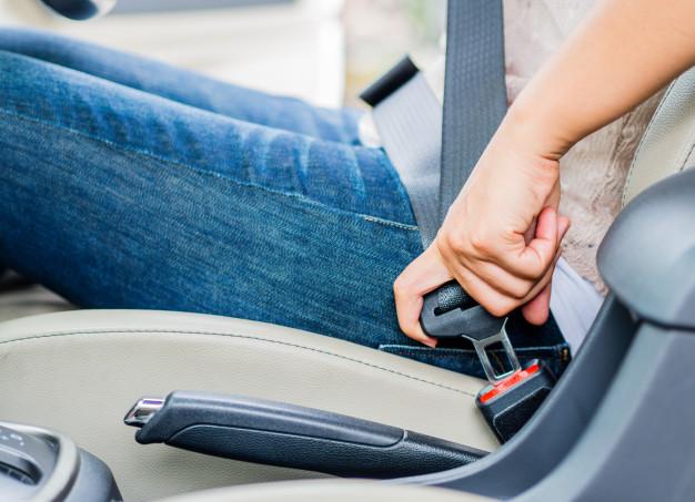 Ellas son las que más usan el cinturón de seguridad