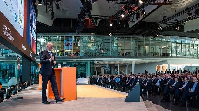 VW contra el cambio climático, pisa a fondo el acelerador - Michael Jost