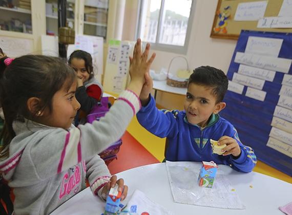 1. TetraPak trabaja por la nutrición en el mundo - Mejorar la asistencia escolar entre los niños refugiados en Siria y Líbano