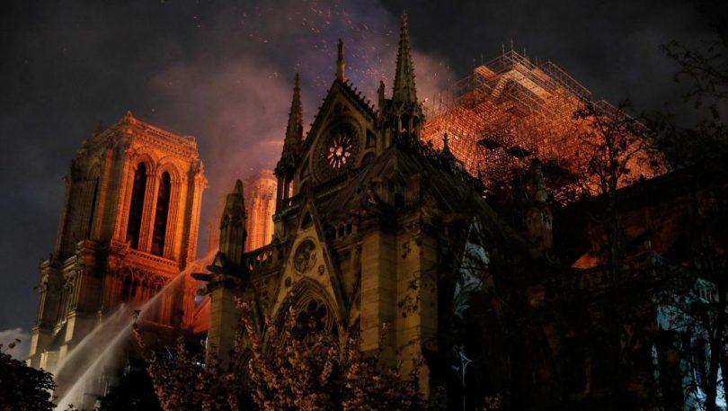Empresarios comienzan donaciones a favor de Notre Dame