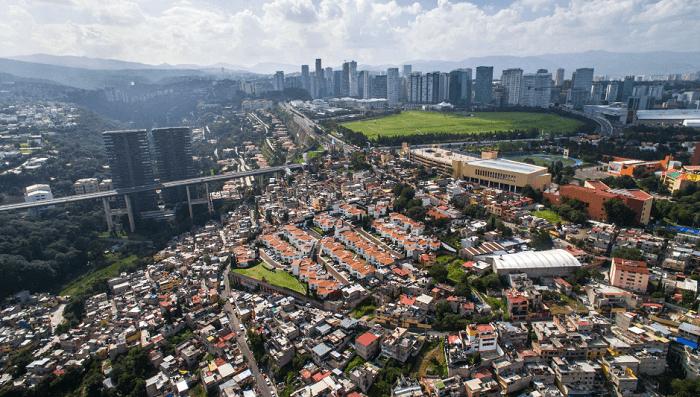 Un dron retrata la brutal inequidad social