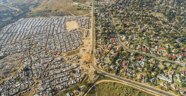 La idea detrás de las escenas de inequidad social