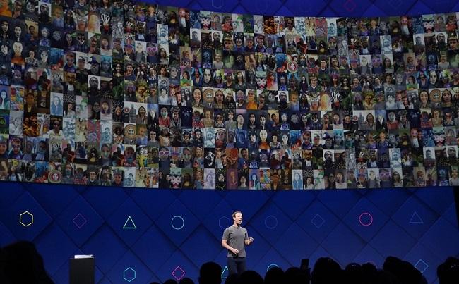 Responsabilizar a Facebook por dominar el mercado. Su valor es mas grande si hay mas usuarios pasando tiempo en la plataforma
