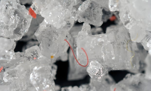 Consecuencias para la salud humana  de consumo de microplasticos
