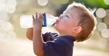 Por qué se está bebiendo hoy tanta agua embotellada