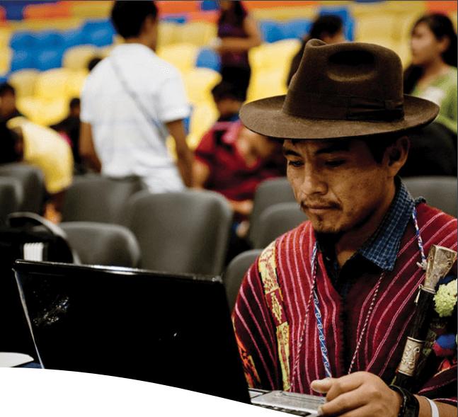 Por ejemplo, en México, donde el objetivo de CLUA ha sido ayudar a reducir las emisiones forestales a cero, la evaluación encontró que el apoyo de la colaboración para los pueblos indígenas y la silvicultura comunitaria ha fortalecido las capacidades de los beneficiarios para la promoción nacional, asegurando una mejor consulta y participación con impactos tangibles.