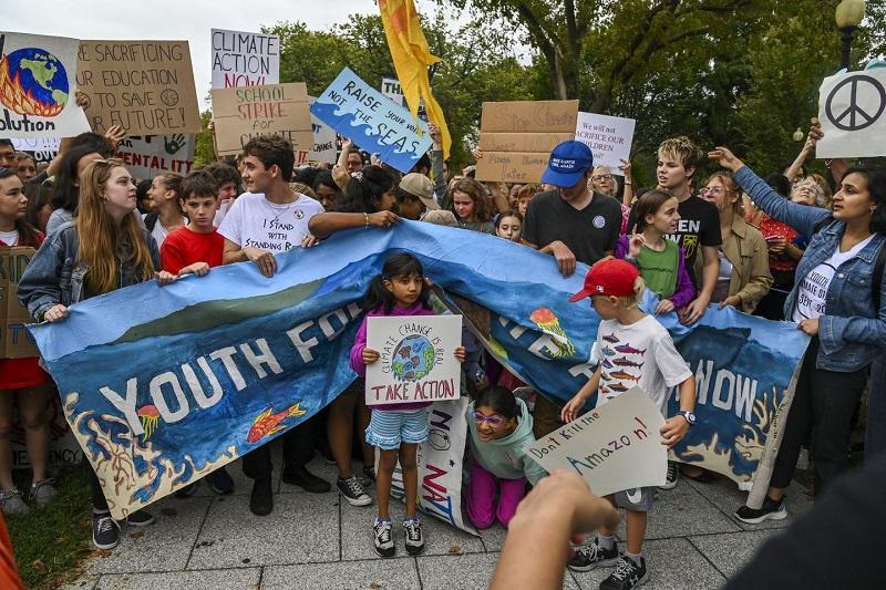 1 de cada 4 niños comprometido vs el cambio climático