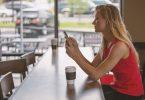McDonald's y Starbucks respaldan pruebas de vasos reutilizables 'inteligentes' en California