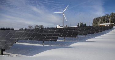 Celdas solares. La mitad de la economía mundial considera ya una transición a cero emisiones