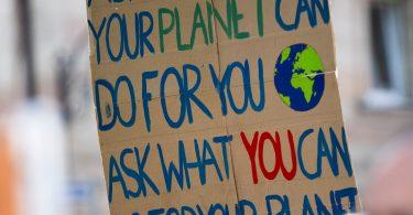 Cartel por el planeta. Encuestas revelan que los consumidores prefieren marcas en pro del medio ambiente.