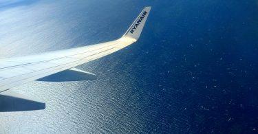Avión. Ryanair revisará toda sus sutentabilidad.