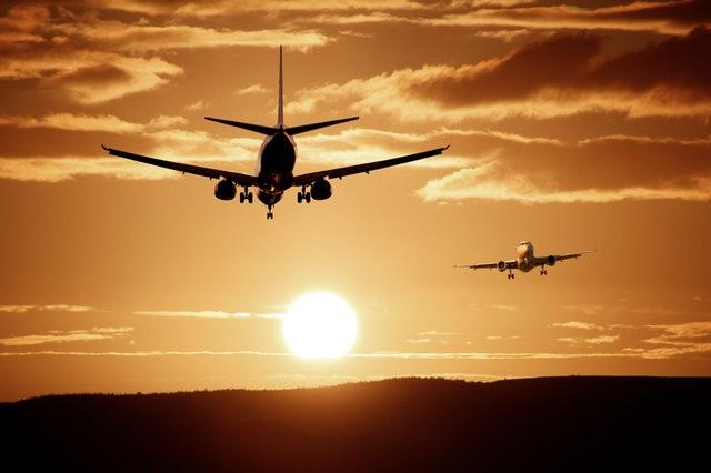 Avión. Ryanair revisará toda su sustentabilidad.
