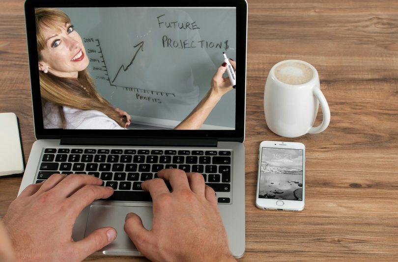 7 tips responsables para tener videoconferencias desde casa