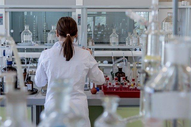 Laboratorio. Las seis farmacéuticas más responsables