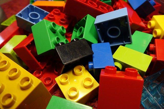 Juguetes. McDonald's dejará de dar juguetes plásticos. Inician Reino Unido e Irlanda.