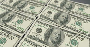 Piden a billonarios contribuir más en la lucha contra la pandemia estudio