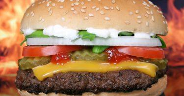 Prohiben anunciar la Whopper hecha a base de plantas para Burger King