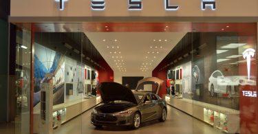 Tesla mostrará su Modelo 3, un eléctrico con más de 400 millas de autonomía
