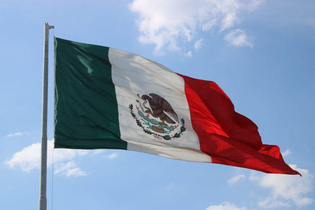 Bandera. Vergüenza y riesgo… México no respeta el #QuedateEnCasa