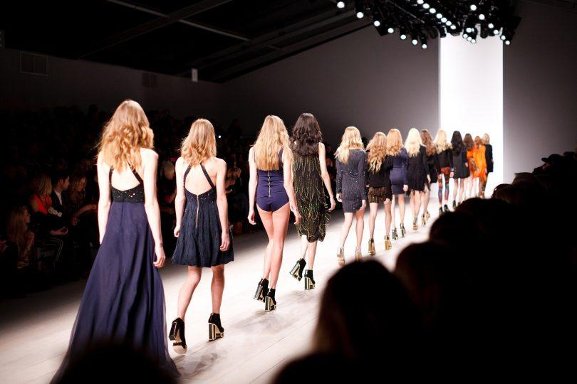 La industria de la moda se enfrenta a la elección adoptar la sostenibilidad o hundirse