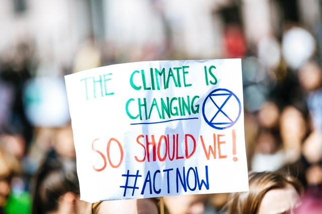 Protesta. Cambio climático alimenta la fuerza de los huracanes: estudio