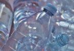 botella.Plástico barato virgen se está vendiendo como reciclado