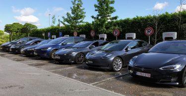 Tesla acelera en responsabilidad social