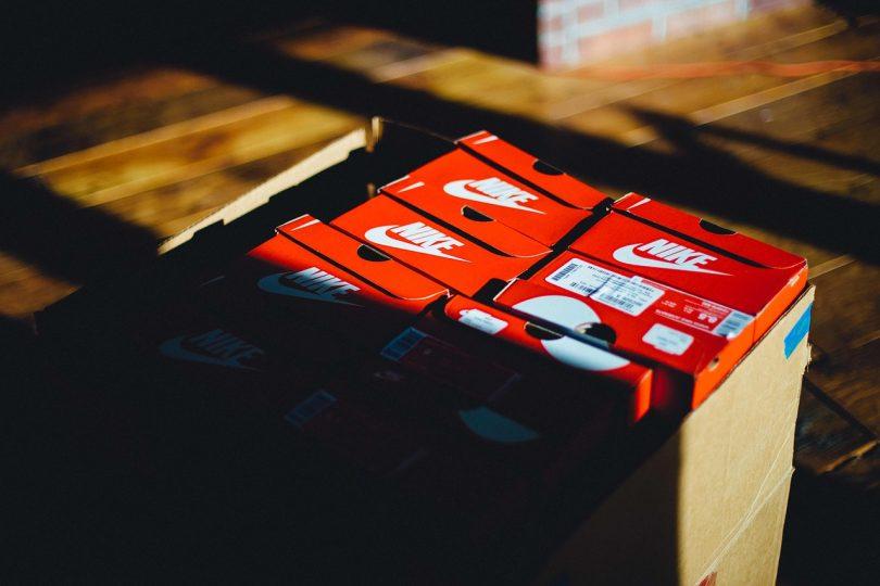Caja. Nike lanza una colección de calzado hecha de residuos post-consumo