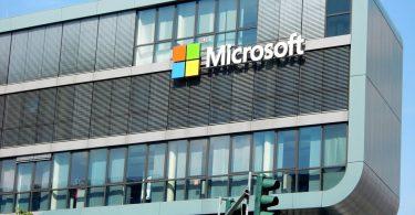 Microsoft. Empleados de Microsoft piden al CEO finalizar los contratos con la Policía.