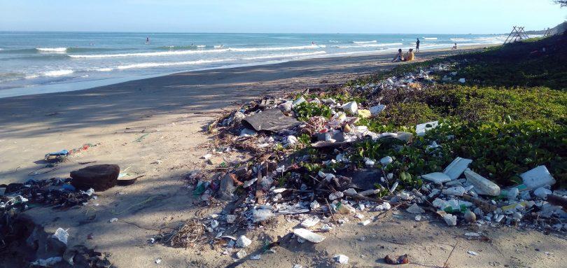 Plásticos en el océano se cuadriplicarán para 2040
