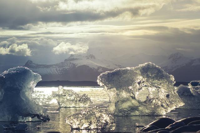Ártico. ¿Por qué los Alpes se están tiñiendo de rosa?