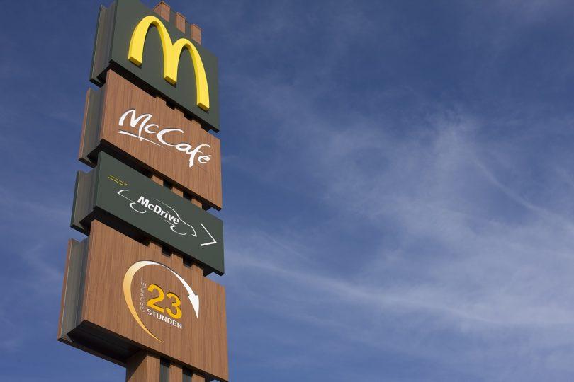 Anuncio.McDonald's colocará en Reino Unido e Irlanda estaciones de recarga para autos eléctricos