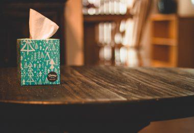 kleenex. Kleenex y Mr. Músculo se ponen responsables con el plástico