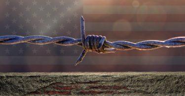 Fraude en campaña para construir el muro. Exconsejero de Trump, involucrado.