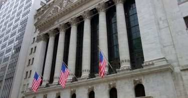 La petrolera Exxon Mobil dice adiós al Dow Jones... ¿un signo de los tiempos?