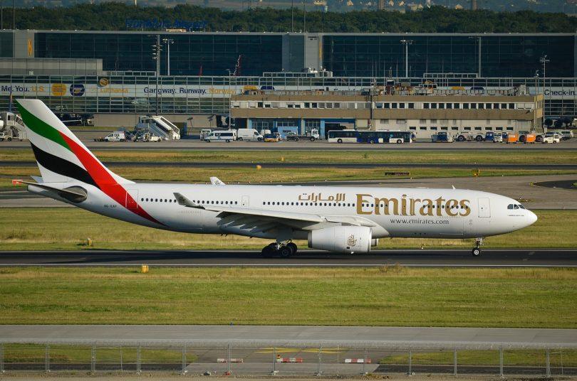 avión.Emirates Airlines te paga hospitalización y hasta funeral si te contagias de COVID-19