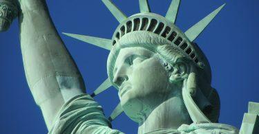 Estatua de la libertad. Nueva York pide disolución de la Asociación Nacional del Rifle de EE .UU.