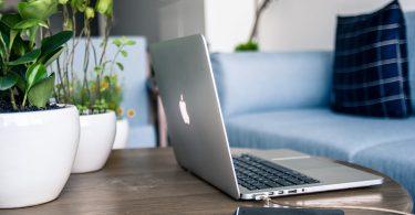 Tim Cook dice que gran parte del trabajo remoto será permanente en Apple