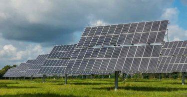 Panel solar. La energía solar y eólica ya alimentan a la décima parte del mundo