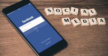 Ceñular. Facebook prohibe los anuncios relacionados con vacunación