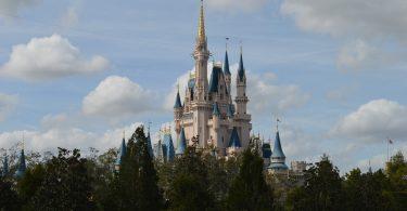 COVID alcanza a Disney: Despedirá a 32 mil trabajadores
