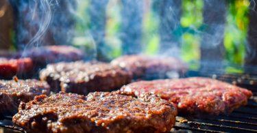 ¿Los gigantes de la industria alimenticia hacen greenwashing con su carne hecha de plantas?