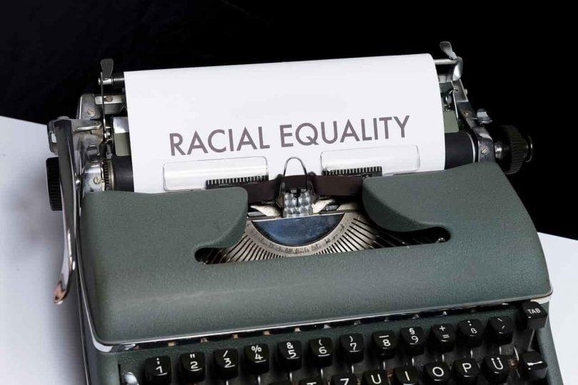 Equidad racial. Accionistas, incluyendo al COO, demandan a Pinterest por discriminación racial y de género