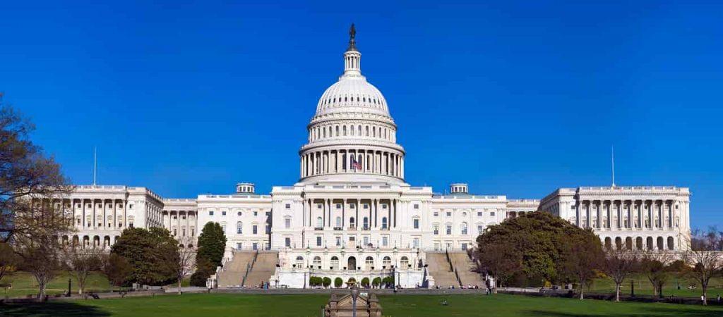 Capitolio. Bancos, empresas de energía y deportes, salpicados por disturbios en el Capitolio