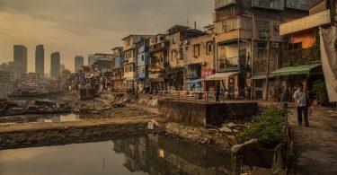 Pobreza. Grupos vulnerables, los más afectadas por la contaminación: ONU