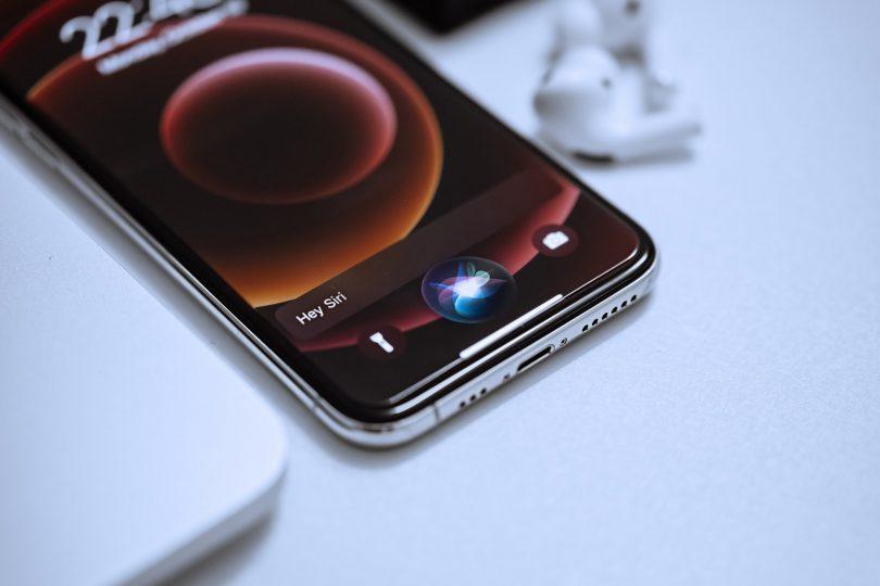 Siri. ¿Siri es hombre o mujer? ¡Apple ya te deja decidirlo!