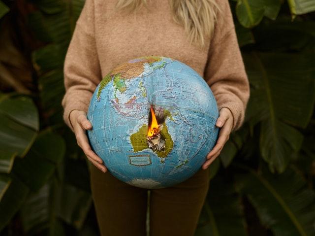 Tierra al borde del abismo
