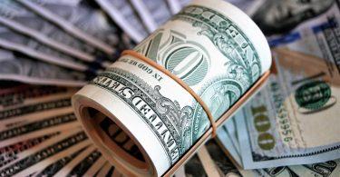 El CEO que engordó sus bolsillos al recortar presupuesto antiCOVID