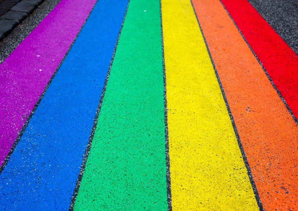 visibilizar a la comunidad LGBTQ+ en la publicidad